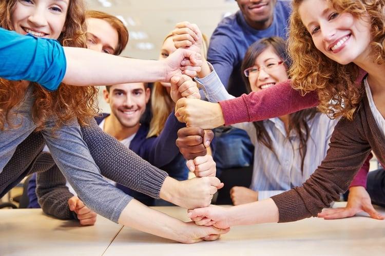 Der Hammer: Unternehmenskommunikation und interne Kommunikation sind nur im Zusammenspiel erfolgreich.